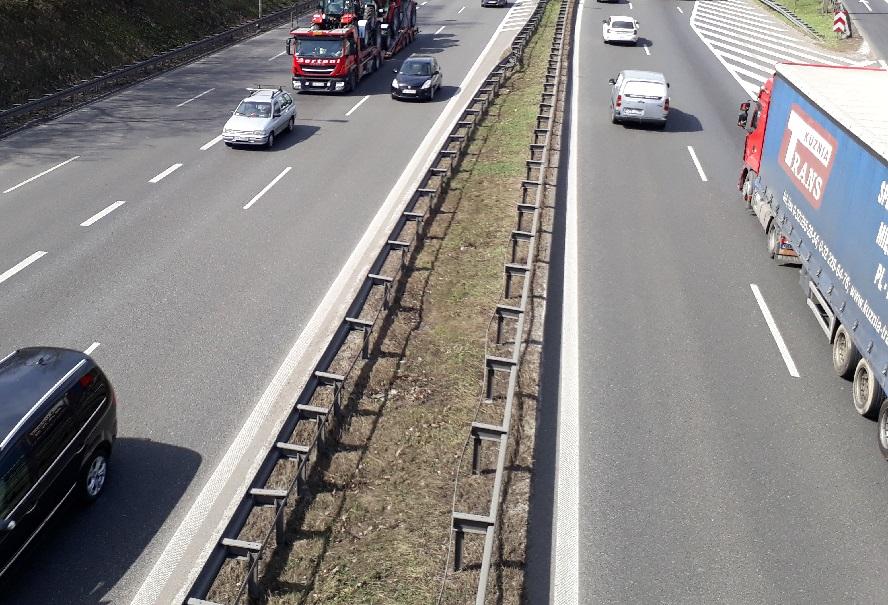 """Na ważnych drogach Katowic i """"wlotówkach"""" wypadki. Ale nie tam kierowcy mają największy problem."""