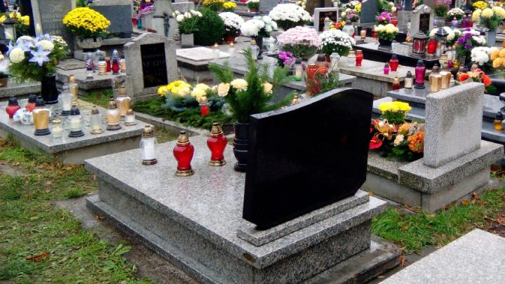 Ciągle jeszcze nie można im sprawić pogrzebu.