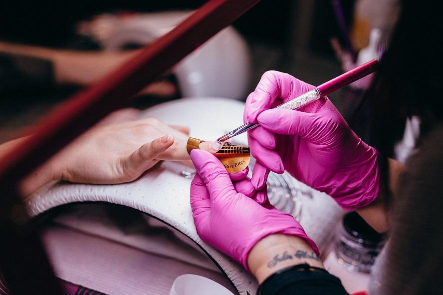 Piękna na wiosnę. Szlachetna akcja, w której uczestniczą również gabinety kosmetyczne z Katowic i innych miejscowości naszego regionu.