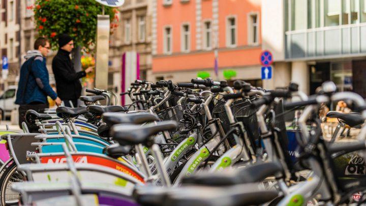 Kilkadziesiąt nowych stacji w dawno oczekiwanych miejscach. I ogromna liczba bicykli. Z rozmachem rusza nowy sezon roweru miejskiego w Katowicach.