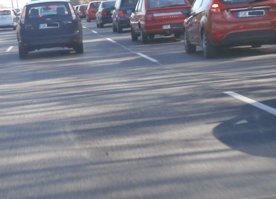 Pilne! Rozpłynęła się jedna z najważniejszych arterii Katowic. Droga jest trwale uszkodzona i nieprzejezdna. Policja organizuje objazdy. Szykuje się komunikacyjny dramat.