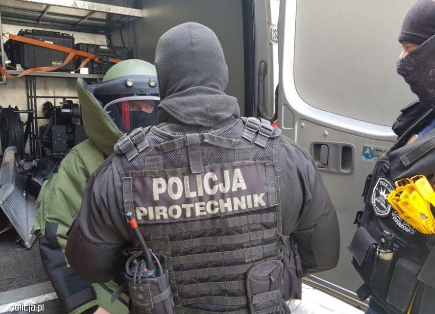 Ewakuacja kilkuset osób z budynków mieszkalnych w Katowicach. W jednym z nich znaleziono pocisk