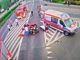 Ludzie ścigali pijaka, który rozpędzonym audi staranował motocyklistę. Następnie na piechotę uciekał z miejsca wypadku.