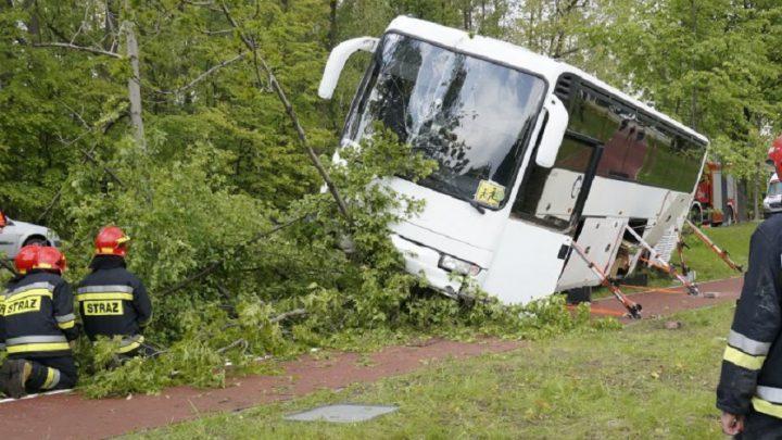 Wypadek autobusu wiozącego dzieci z przedszkola w Rudzie Śląskiej. Niektóre dzieci są ranne.