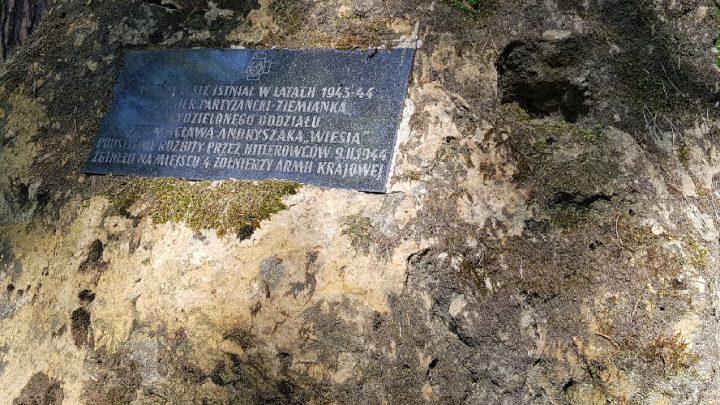 Najpiękniejszy pomnik smoleński znajduje się w Katowicach.