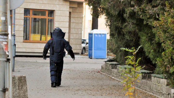 Matura z bombami. Alarmy w wielu szkołach.