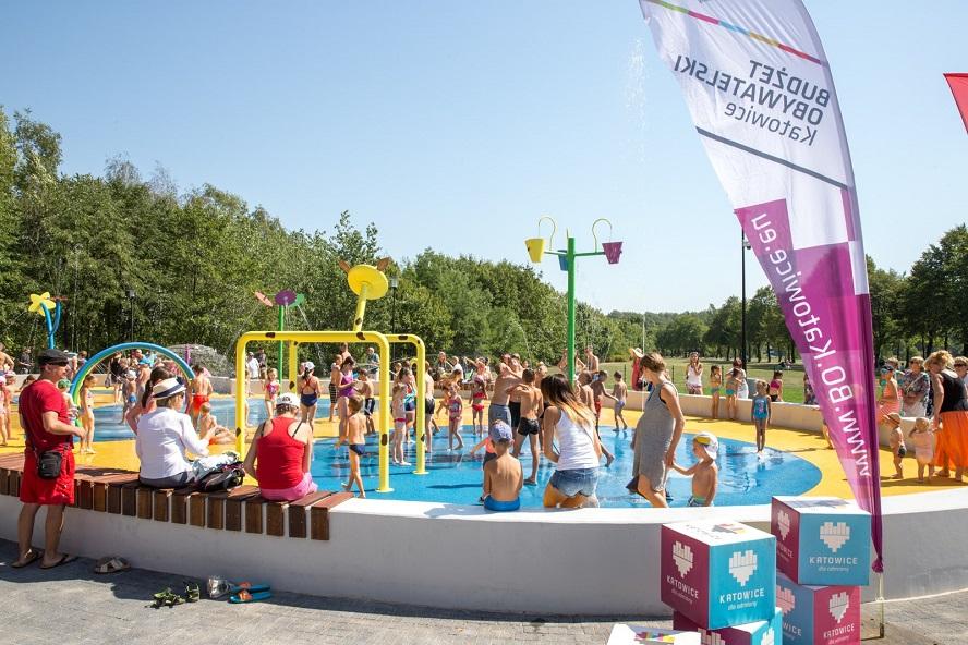 Katowice otwierają wodne place zabaw i miejskie kąpieliska – w tym również Szlomiok na Dolinie Trzech Stawów.