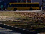 Ludzie słabli w autobusach. Urzędnicy nie przewidzieli takiej sytuacji.