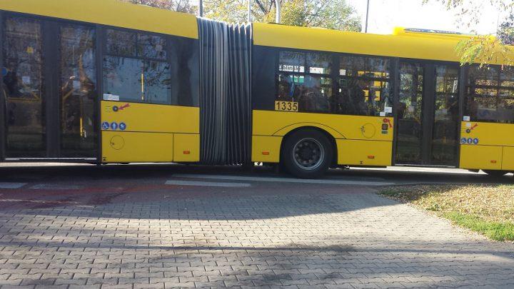 Dobra wiadomość dla pasażerów komunikacji miejskiej w Katowicach. Wraca normalność na 9 liniach autobusowych. Autobusy dwóch innych linii będą jeździć objazdem.