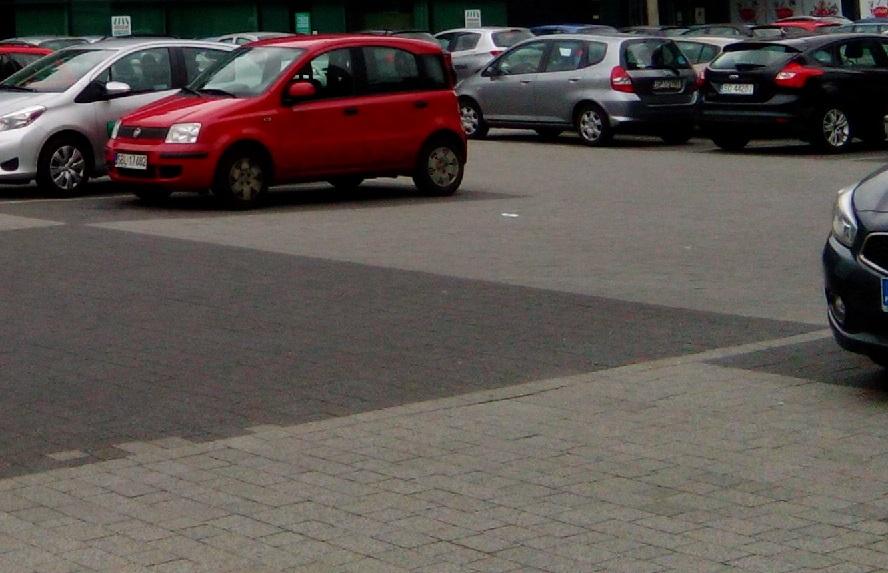 Parkingowy oszust. Naciął nie jedną osobę.