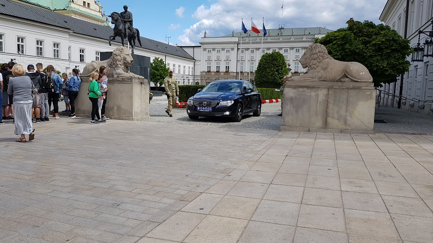 Dziś prezydent Andrzej Duda odwiedzi Katowice i inne miasta naszej aglomeracji. To ważna wiadomość m.in. dla pasażerów komunikacji miejskiej i kierowców.
