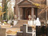 Dziś o godz. 16 rząd ogłosił: cmentarze będą zamknięte. Ciężko to zrozumieć.