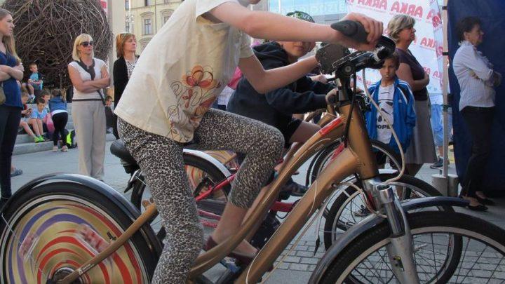 Kino rowerowe to tylko jedna z wielu atrakcji, które przygotowano w ramach V Dni Energii Miasta Katowice.