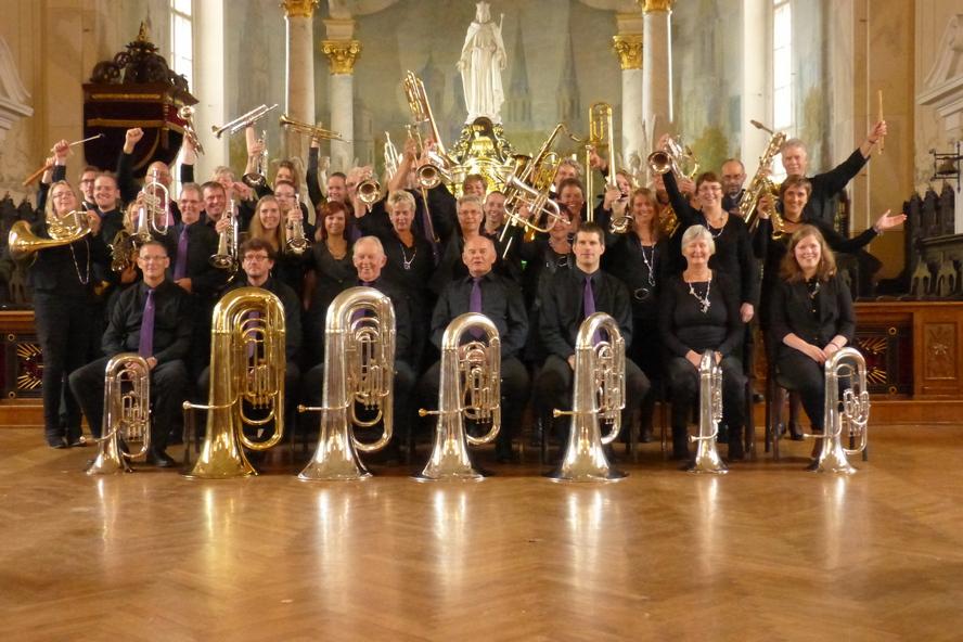 Znakomita orkiestra dęta przyjeżdża do Katowic, by koncertować w trzech dzielnicach miasta. Artyści zagrają m.in. nasze rodzime szlagiery.