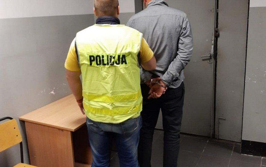 Pedofil zatrzymany w Katowicach. Zamierzał wykorzystać seksualnie uczennicę.