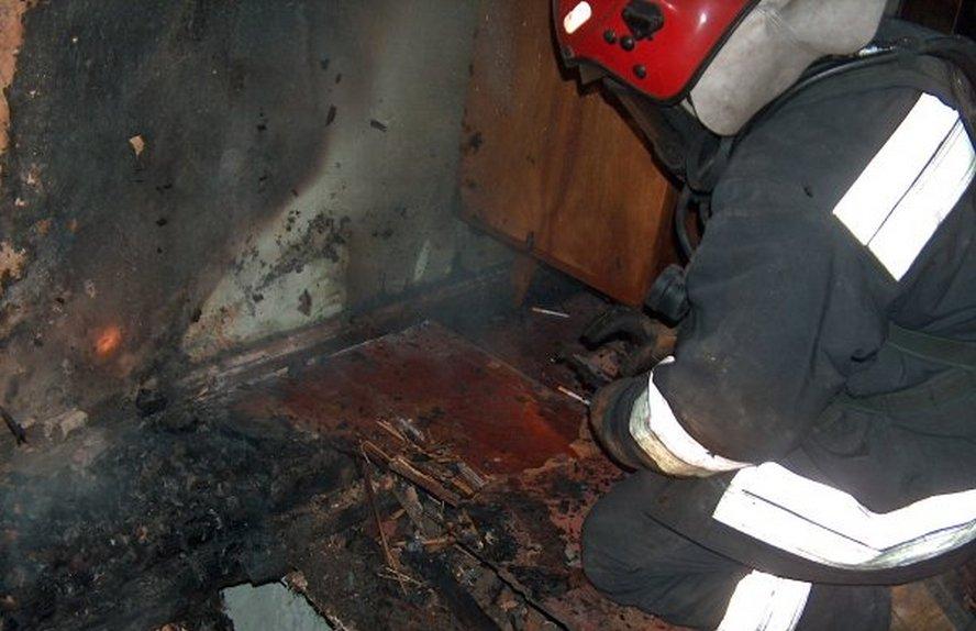 Dramatyczny poranek w Bytomiu. Pożar budynku mieszkalnego. Dwoje dorosłych i jedno dziecko w szpitalu.