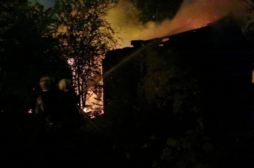 W trzech pożarach budynków mieszkalnych jedna osoba zginęła. Są poszkodowani. Dziś nad ranem konieczna też była ewakuacja.