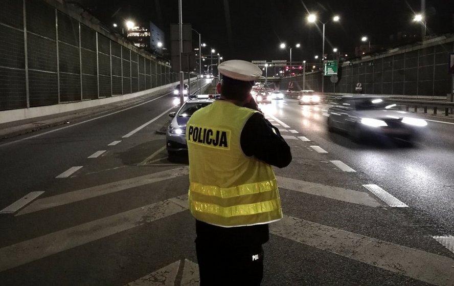 """Katowiccy policjanci prowadzili akcję """"Szybkość po zmroku"""". Szokująca liczba wykroczeń."""