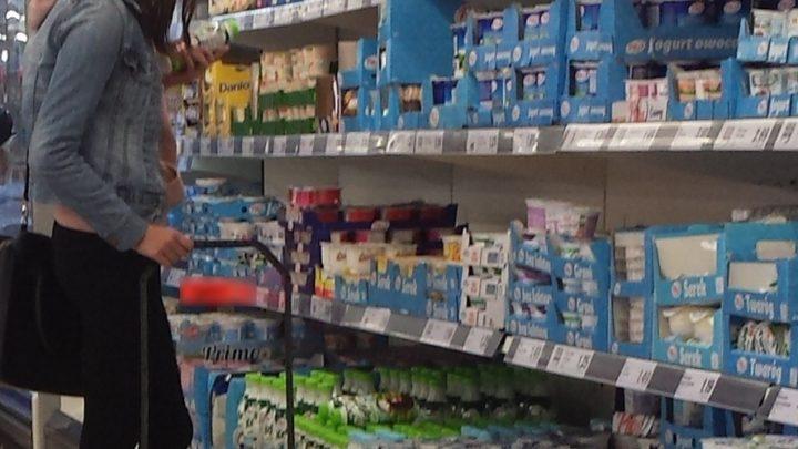 Rządowa sieć sklepów spożywczych ma być konkurencją dla Biedronki i Lidla? To nie żart.