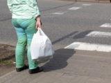 Kawałki plastiku w batonach. Jeśli kupiliście – możliwy zwrot pieniędzy.