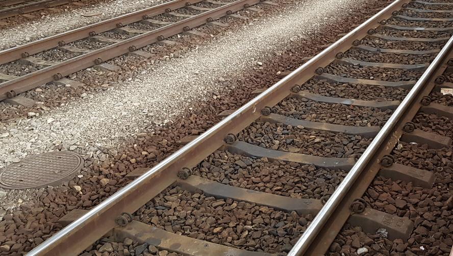 Straszny wypadek w Katowicach. Osoba, potrącona przez pociąg, odniosła tak rozległe obrażenia, że początkowo nie była znana nawet jej płeć.