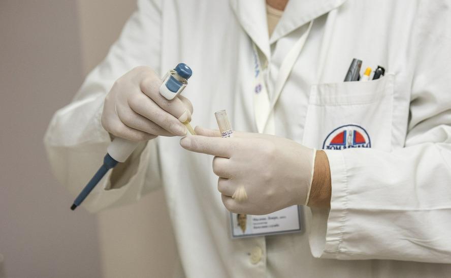 Tylko w ciągu jednego tygodnia odnotowano dwa zgony w województwie śląskim. Głównym podejrzanym jest wirus, którego większość z nas lekceważy.