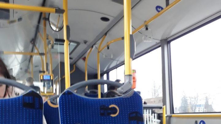 Doniesienia o planowanych podwyżkach cen biletów komunikacji miejskiej wywołały powszechny niepokój i mnóstwo pytań. W tej sprawie wydano obszerne wyjaśnienia.
