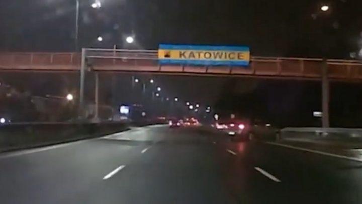 Niektórych kierowców należałoby przymusowo kierować na badania psychologiczne. Ten wyczyn nagrała kamera.
