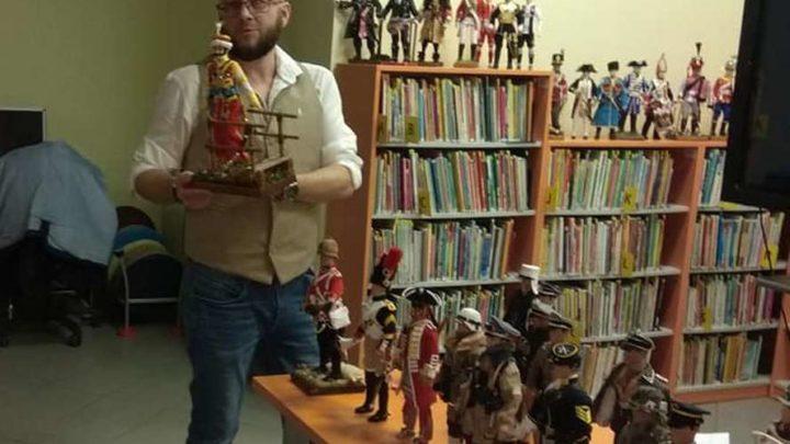 Niezwykła pasja pana Fryderyka z Katowic. Nad niektórymi figurkami pracuje nawet kilka tygodni.
