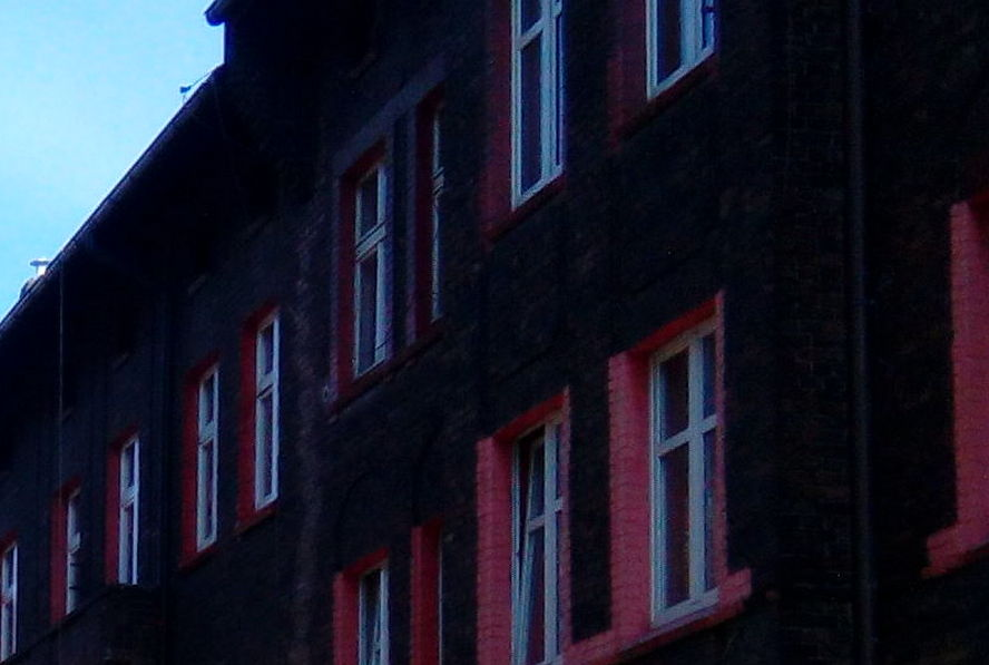 Do jednego z mieszkań w Katowicach wtargnęli dwaj bandyci. Byli bardzo brutalni.