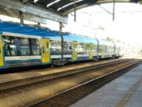 Chaos na dworcu kolejowym w Katowicach. Na jednej z najważniejszych tras kolejowych regionu wykoleił się pociąg.