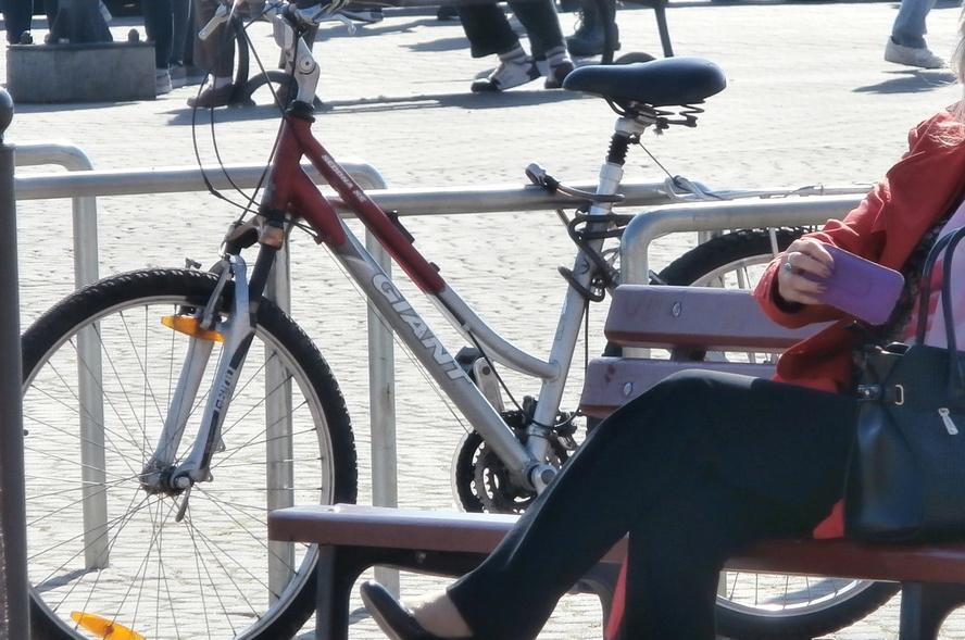 Na tę nową drogę rowerową czeka bardzo wielu katowiczan. Poprawi ona bezpieczeństwo cyklistów i może stać się ważnym elementem komunikacji w mieście.