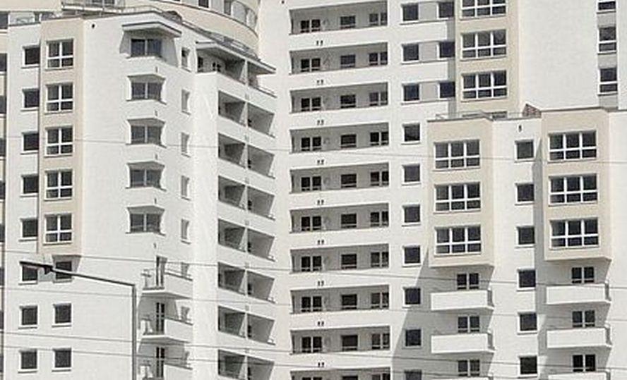 Jedna z katowickich spółdzielni mieszkaniowych straszyła lokatorów. Komunikat, które rozwiesiła na klatkach schodowych, był wyssany z palca.