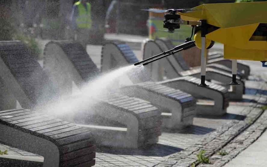 Katowicki Rynek dezynfekowany dziś był za pomocą drona.