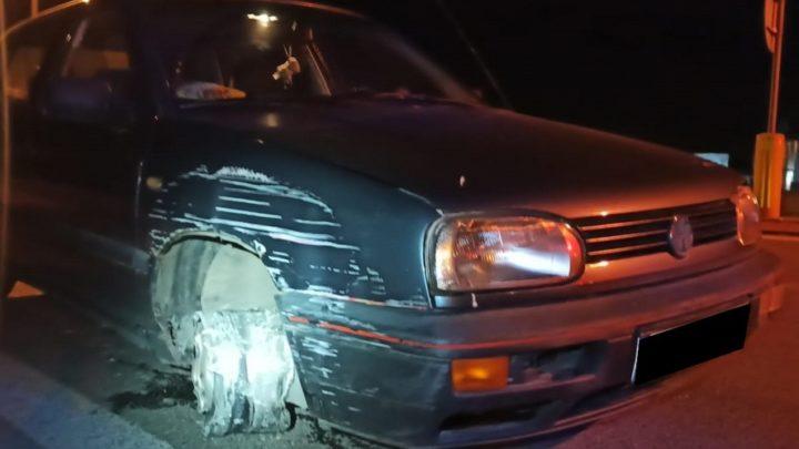 Nie miał przedniego koła. Jechał na trzech pozostałych a zamiast kierownicy trzymał butelkę wódki. [z kraju]