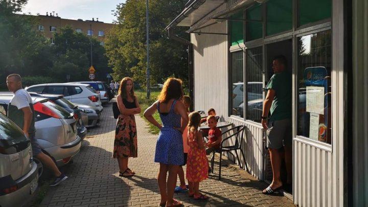 Obrabowano właściciela budki gastronomicznej w Katowicach – mieszkańcy mu pomagają