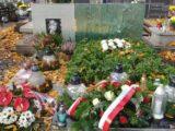 """Nasza czytelniczka o inicjatywie prezydenta Katowic: """"Świetny pomysł. Brawo"""". Miasto odkupuje kwiaty od sprzedawców, którzy ponoszą straty w związku z zamknięciem cmentarzy."""