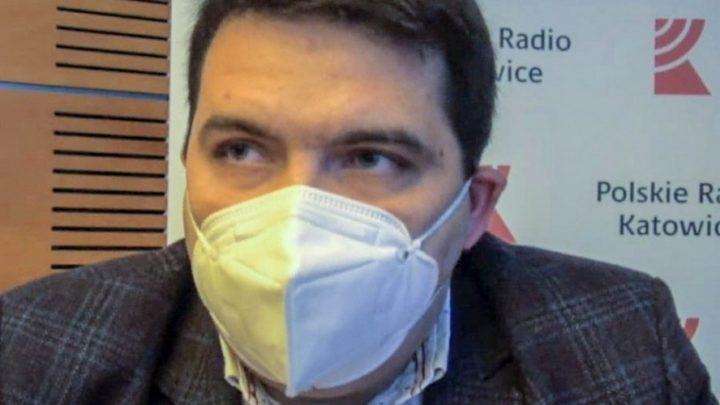 Dyrektor Wojewódzkiego Pogotowia Ratunkowego w Katowicach o szpitalu polowym, sytuacji w normalnych szpitalach, kogo i czego brakuje i jaka jest sytuacja w woj. śląskim.