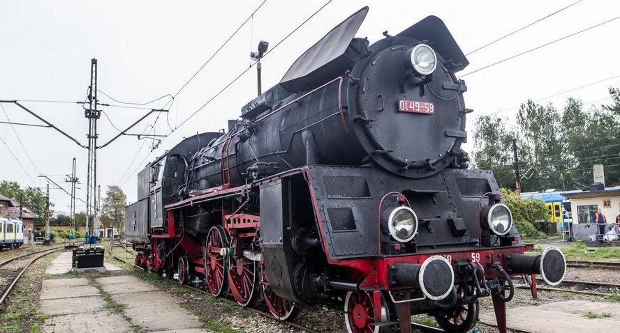 Wyjątkowa atrakcja. Zabytkowy parowóz będzie kursował pomiędzy miastami Śląska. Zdjęcia.