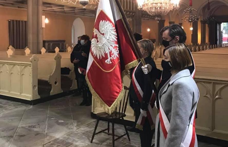 Dziś po godz. 13 rozdzwoniły się dzwony kościołów ewangelickich od Beskidów po Bałtyk. Nie tylko luteranie żegnali biskupa Jana Szarka, byłego zwierzchnika Kościoła Ewangelicko-Augsburskiego w Polsce, który zmarł na COVID-19.