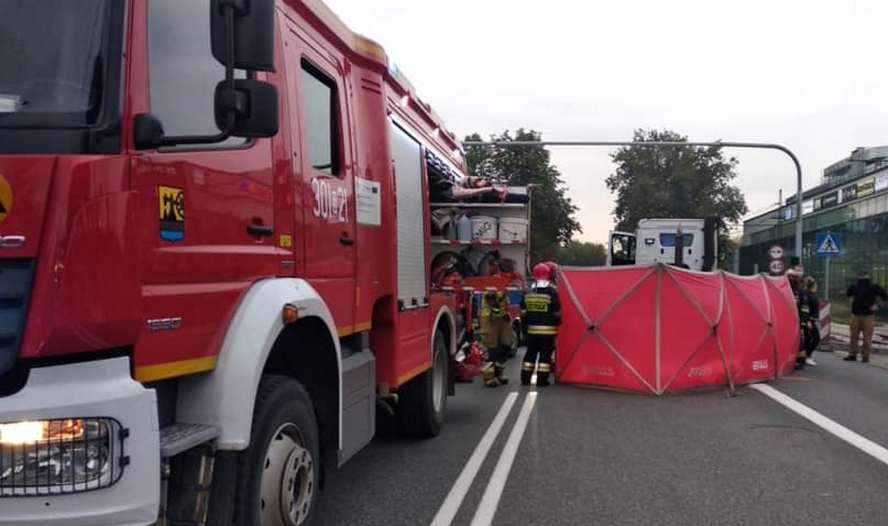 Strażacy chwalą przechodniów, którzy walczyli o życie rowerzystki. Ci katowiczanie są wzorem dla wszystkich.