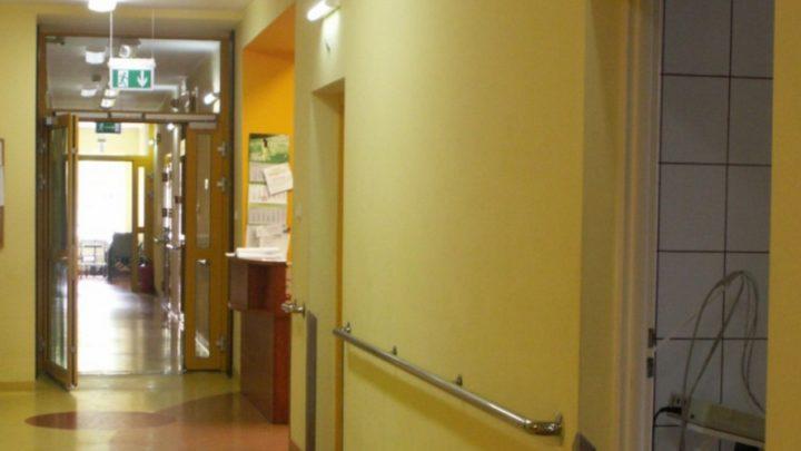 Od dziś (4 listopada) do odwołania miejski Szpital Murcki w Katowicach przestaje przyjmować umówionych pacjentów na poszczególne oddziały. Na wniosek wojewody szpital przekształcono w tzw. covidowy.