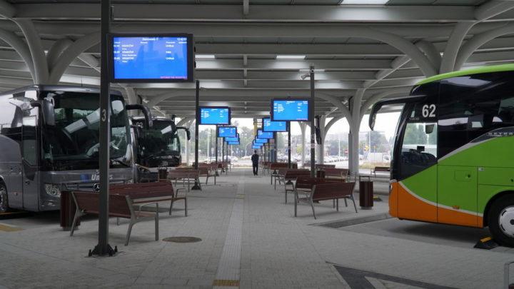 Centrum przesiadkowe Sądowa w Katowicach staje się prawdziwym autobusowym dworcem międzynarodowym.