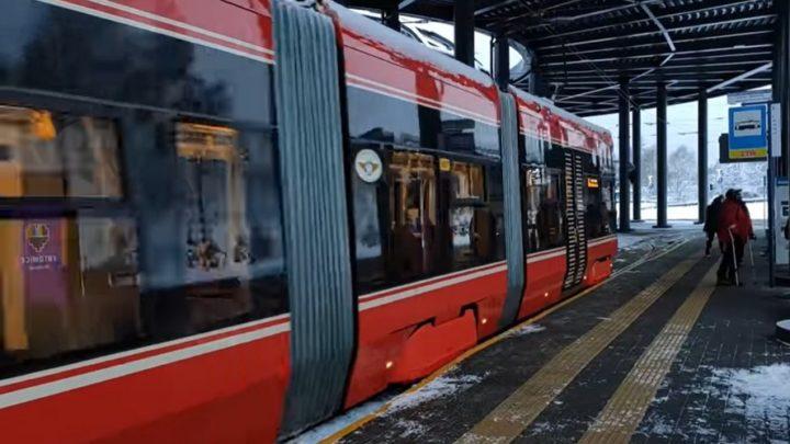 Kolejny luksusowy tramwaj wyjechał na tory.  Od 30 stycznia kursuje pomiędzy Katowicami a Sosnowcem.