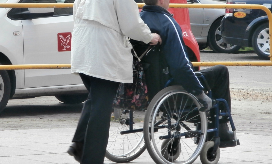 Dworzec PKP w Katowicach-Ligocie na razie nie będzie przystosowany na potrzeby osób niepełnosprawnych.