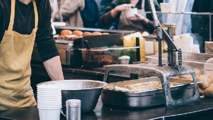 Od dziś zdejmijcie restrykcje związane z działalnością gastronomii.