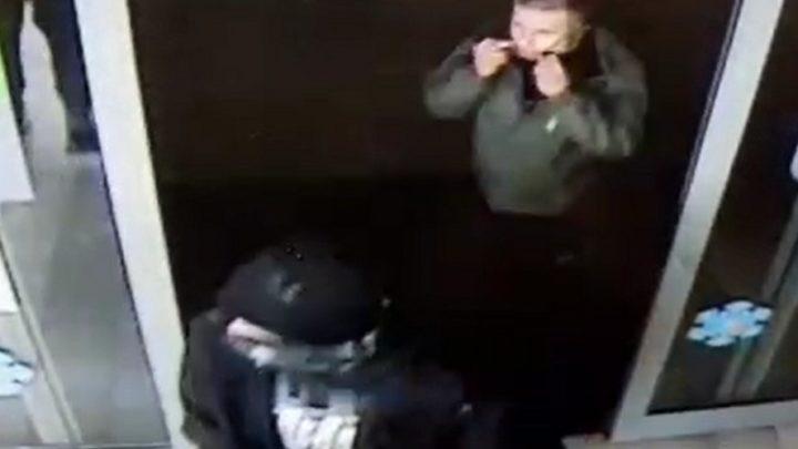 Garnki i patelnie. To łupy złodziei, którzy splądrowali jeden ze sklepów w Katowicach.