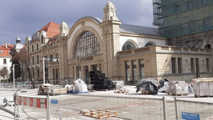 Kolejna perła Katowic odzyskuje dawny blask. Od 2016 roku trwa remont starego dworca.